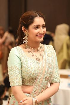 Super pictures of Beautiful actress Sayesha Saigal. Most Beautiful Hollywood Actress, Most Beautiful Indian Actress, Beautiful Actresses, Hollywood Actresses, Indian Actresses, Beautiful Girl Image, Simply Beautiful, Beautiful Women, Stylish Girl Pic
