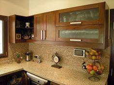 Amoblamiento de cocina a medida Kitchen Cupboard Designs, Kitchen Room Design, Home Room Design, Interior Design Kitchen, Refinish Kitchen Cabinets, Modern Kitchen Cabinets, Kitchen Redo, Kitchen Remodel, Beige Kitchen