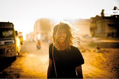 backlight, conveys the dust and wind, portrait