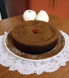 Aprenda essa receita de bolo de chocolate cremoso, ensinada no programa Dia Dia da Band por Daniel Bork