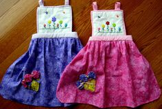 Apron Mother/Daughter Set, Mom & Me Apron Set, Personalized Apron, Pretend Play, Girls Baking Apron Mommy And Me, My Mom, Baking Apron, Personalized Aprons, Mother Daughter Outfits, Apron Designs, Baby Shower Activities, Kids Apron, Button Flowers