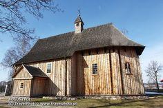 Boguszyce, 1588? původní z 15. st., trojlodní, bohatý interiér Cabin, Boho, House Styles, Image, Home Decor, Homemade Home Decor, Interior Design, Cottage, Home Interiors