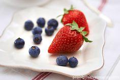 Strawberries and blueberries, a classic summer treat.  http://proofpositiveimaging.photoshelter.com/gallery-image/Food/G0000vxWBxmMXSBY/I0000.Nf36K3v.lU/C00004tzArDrbjNQ  © Jennifer Hill, Proof Positive Imaging Photographer Jen Hill