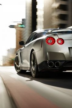 Nissan Skyline GTR - The World's most beautiful rear end :P