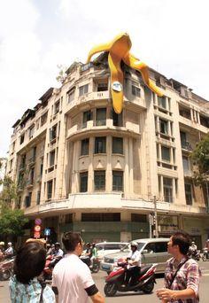 Peau de banane géante