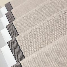 Super Ideas For Stairs Carpet Neutral Rugs Stairway Carpet, Hallway Carpet, Staircase Runner, Stair Runners, Hallway Runner, Carpet Runner On Stairs, White Staircase, Stairs, Colores Paredes