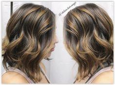 Voici quelques modèles de cheveux méchés ou ombre hair miel : Ces modèles vous donneront une idée sur cette magnifique tendance. Inspirez vous!…