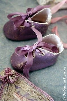 Purple baby shoes- remember my mom made little felt shoes for baby gifts- so special! Purple Baby, Purple Love, Purple Shoes, All Things Purple, Purple Lilac, Shades Of Purple, Pink, Red Shoes, Deep Purple