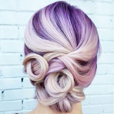 Killerstrands own line of semi-permanent hair color that comes in the form of shampoos and conditioners, BOOST and BURST. Best Wedding Hairstyles, Pretty Hairstyles, Stylish Hairstyles, Pastel Hair, Purple Hair, Prom Hair Updo, Updo Hairstyle, Permanent Hair Color, Rainbow Hair