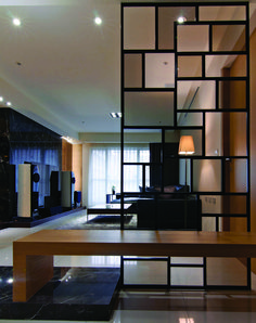 Modern room partitions have many uses. They can divide a large room into smaller areas, separate a room, enhance your … Mid Century Modern Living Room, Living Room Modern, Living Room Designs, Living Rooms, Home Interior, Modern Interior Design, Interior Decorating, Decorating Tips, Home Luxury