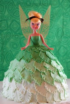 Tinkerbell Cake    her face seems a little...off...but other than that...
