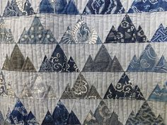 sashiko and other stitching: Tokyo International Great Quilt Festival 2017 - part 2 Japanese Quilt Patterns, Japanese Patchwork, Japanese Quilts, Shibori, Japanese Embroidery, Crewel Embroidery, Embroidery Needles, Embroidery Patterns, Asian Quilts