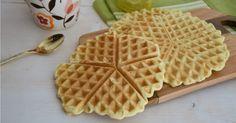 Waffel croccanti ricetta originale con cui potrete far merenda, colazione ma anche il brunch della domenica.