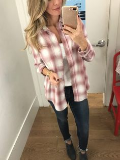 Winter Teacher Outfits, Chic Winter Outfits, Fall Outfits, Sporty Outfits, Plaid Shirt Outfits, Pink Plaid Shirt, Winter Fashion Looks, Fashion Fall, Winter Style