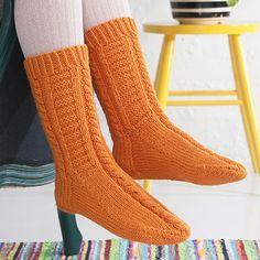Pixie, Chelsea's Messy Apron, Soccer Stars, Knitting Socks, Knitting Ideas, Knit Socks, Mittens, Ravelry, Work Wear