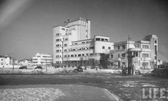 Piaţa Charles de Gaulle 1940 Marcel, Margaret Bourke White, Visit Romania, Gaulle, Bucharest Romania, Old Buildings, Old City, Life Magazine, Time Travel