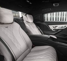 The interior of the Mercedes-Maybach S 600 Guard.