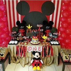 Festa Mickey muito fofa por @madelines_events ❤️ #kikidsparty