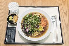 신선한 재료와 함께 다양한 일본 가정식을 만나볼 수 있는 기회! 간편히 테이크아웃도 할 수 있는 '혼신마켓'(HON SHIN MARKET)을 고메이494에서 만나보세요.
