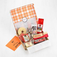 is the one-stop hampers shop! We stock a truly scrumptious range of food and drink gift hampers. Free next day UK delivery when you spend over Post Box Gifts, Hampers Online, Letterbox Gifts, Gift Hampers, Gifts For Friends, Gift Wrapping, Gift Wrapping Paper, Gift Baskets, Wrapping Gifts