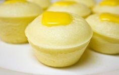 Ingredients: 4 cups flour, sifted 2 cups sugar, sifted 2½ tbsp baking powder 1 cup evaporated milk 2½ cups water ⅛ teaspoon Pandan essence ½ cup butter, melted 1 piece egg, raw small slices of cheese 4 cups water (for steaming)  Cooking Instructions: In a mixing bowl, combine the dry ingredients starting from the …