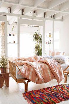 @RaloTibetanRugs Gorgeous bedroom decor!