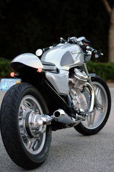 Another nice CX Honda Cx500 Cafe Racer, Cafe Racers, Honda Cx500, Honda Cb, Honda Bobber, Honda Scrambler, Cafe Bike, Cafe Racer Bikes, Vintage Bikes