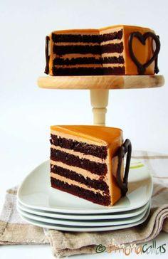 Chocolate Caramel Cake, Caramel Frosting, Chocolate Flavors, Homemade Frosting Recipes, Homemade Cakes, Cake Recipes From Scratch, Best Cake Recipes, Cake Piping, Gateaux Cake