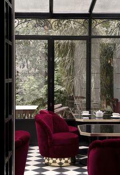 La verrière du Très Particulier, bar à cocktail situé à l'Hôtel Particulier Montmartre. Architecte d'intérieur Pierre Lacroix