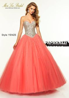Style YENZE JEWELED BEADED BODICE WITH SATIN TRIM ON TULLE BALLGOWN Corset Back Closure. Available in Nude/Fuchsia, Nude/Navy, Nude/Coral Precio: $1.708.850 Pesos Colombianos Precio: $776.00 Dólares Americanos