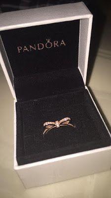 Pandora rings rose gold princess ring pandora rose gold drop ring Source by Pandora Rings Rose, Pandora Bracelets, Pandora Jewelry, Charm Bracelets, Ring Set, Ring Verlobung, Pear Ring, Rose Gold Princess Ring, Princess Rings
