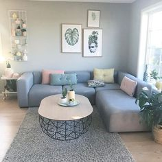 The decoration of the living room is the most concerned about the decoration of the home. Interior Design Living Room Warm, Living Room Designs, Living Room Colors, Home Living Room, Tv Background, Romantic Living Room, Geometric Furniture, Living Room Decor Traditional, Bedroom Closet Design