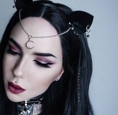 Angelica Luna Moon Cat - Kitty Kat Embellished Ears Headband in High Gloss Black PVC with Black Crystals and Earrings Gothic Hairstyles, Hairstyles Haircuts, Goth Accessories, Goth Hair, Instagram Hairstyles, Short Hair Styles For Round Faces, Cat Ears Headband, Round Face Haircuts, Black Goth