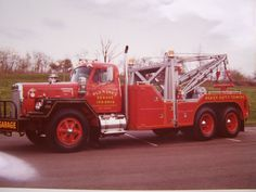 Big Rig Trucks, Tow Truck, Black And White Flag, Towing And Recovery, Vintage Trucks, Iron, Collection, Cars And Trucks, Rc Trucks