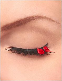Fake eyelashes with a red bow at the end! Fake eyelashes with a red bow at the end! Makeup Art, Beauty Makeup, Hair Makeup, Hair Beauty, Applying False Eyelashes, Fake Eyelashes, False Lashes, Koko Lashes, Dani Martinez