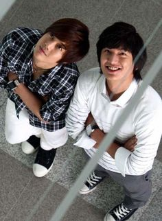 Lee Min Ho and Kim Hyun Joong Boys over flowers! Lee Min Ho, F4 Boys Over Flowers, Boys Before Flowers, Korean Star, Korean Men, Asian Actors, Korean Actors, Korean Dramas, Kdrama