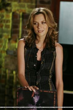 Peyton Haircuts on OneTreeHill   :)  curl in longer layers