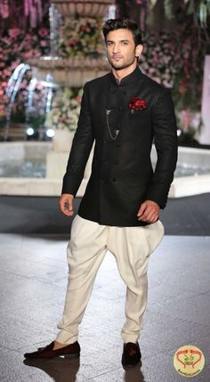 Shraddha Kapoor and Sushant Singh Rajput Stop the show for Manish Malhotra at LFW Winter/Festive 2016 http://fashion.sholoanabangaliana.in/shraddha-kapoor-and-sushant-singh-rajput-stop-the-show-for-manish-malhotra-at-lfw-winterfestive-2016/