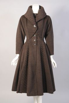 Lilli Ann Trapunto Quilted Coat In Excellent Condition In New Hope, PA Vintage Coat, Vintage Looks, 1950s Fashion, Vintage Fashion, Peplum Coat, Mode Inspiration, Morning Inspiration, Vintage Couture, Warm Outfits