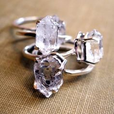 Raw diamonds!! I seriously need a ring like this!