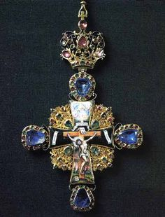 """Image:: A masterpiece from the 18th century Monastery collection belonged to Metropolitan Platon of Moscow and Kolomna, presented by Catherine II The Great    Original article """"The Jewelry Art of the 18th-19th centuries in Russia"""" , http://www.musobl.divo.ru/Ecoll_goldN.html"""