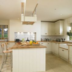 Wellacres House - Holiday Home with Pool in the Cotswolds - Kate & Tom's - Modern Kitchen at Wellacres House