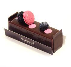 Noir de Bourgogne   Biscuit chocolat cassis, crémeux au cassis Noir de Bourgogne, mousse chocolat 70%