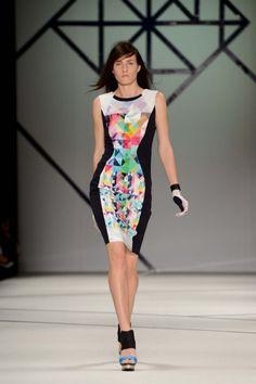 Day Clean-cut geometrics at Ginger & Smart. Diva Fashion, Fashion Art, Fashion Looks, Womens Fashion, Ginger And Smart, Online Fashion Boutique, Fashion Online, Australian Fashion Designers, Smart Dress