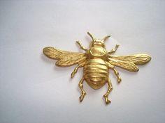 Vintage Jewelry Jumbo Bee Brooch Gold Tone