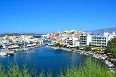 Lake Voulismeni on Agios Nikolaoksen kuvauksellisimpia paikkoja. #AgiosNikolaos #Aurinkomatkalla #Aurinkomatkat #Kreeta