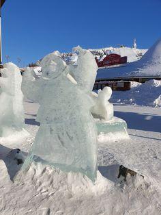 Jäinenkin tervehdys voi olla iloinen ja ystävällinen. Ruka Village, Kuusamo. Outdoor, Outdoors, Outdoor Games, The Great Outdoors
