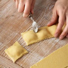 Learn how to make delicious ravioli in 7 easy steps.