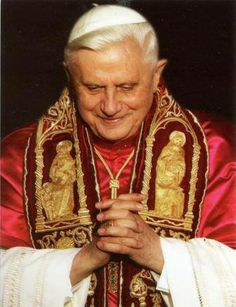 Pope Benedict XVI Catholic Memes, Catholic Saints, Roman Catholic, Jesus Mother, Blessed Mother Mary, Christian Paintings, Juan Pablo Ii, Pope Benedict Xvi, Lady Of Fatima