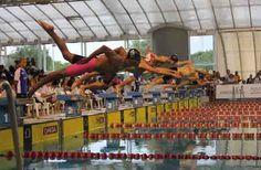 Las primeras medallas argentinas llegaron en natación Los nadadores Santiago Bergliafa y Santiago Jerez cosecharon las primeras preseas para la delegación nacional en los Juegos Sudamericanos Escolares 2013. Nuestro país también se destacó en deportes de conjunto.